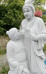 Bức tượng người phụ nữ được cho là nàng dâu móm sữa cho mẹ chồng bị dỡ bỏ sau sự phản đối dữ dội từ dư luận