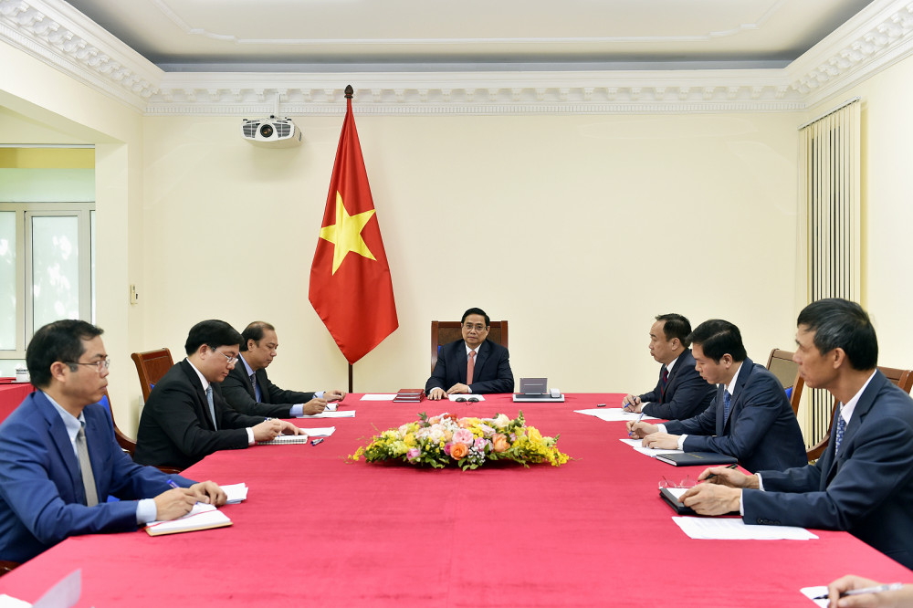 Hai Thủ tướng khẳng định quyết tâm đóng góp tích cực, xây dựng Cộng đồng ASEAN vững mạnh, đoàn kết, chủ động thích ứng, phát huy vai trò trung tâm và tiếng nói chung trong các vấn đề hòa bình, an ninh khu vực và quốc tế. - Ảnh: VGP/Nhật Bắc