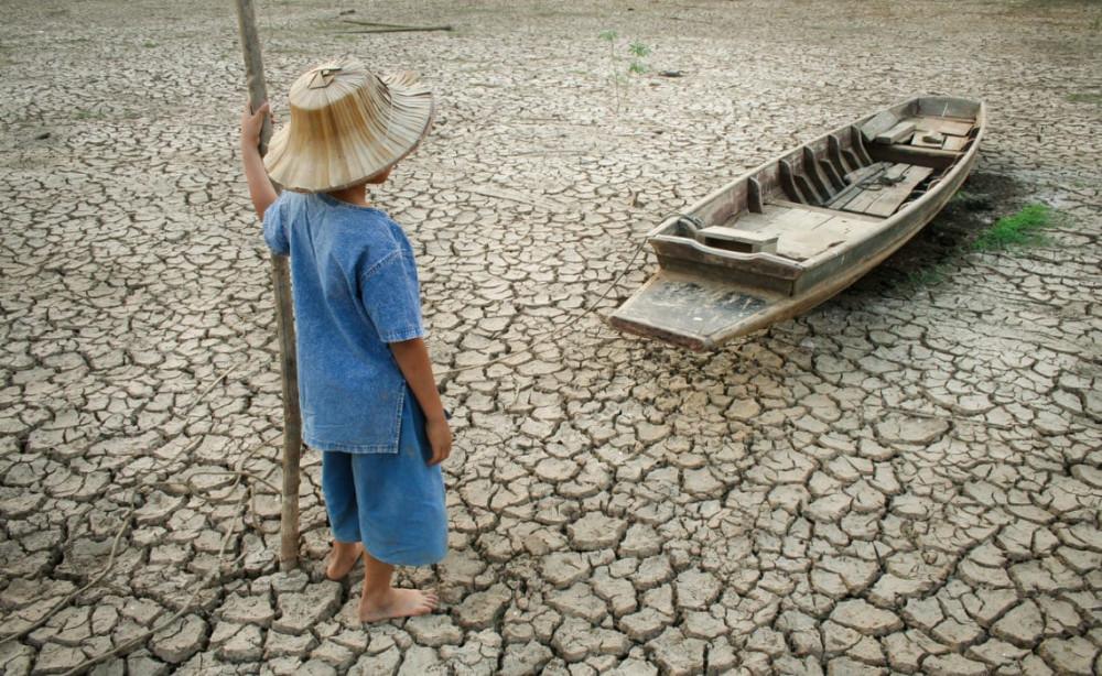biến đổi khí hậu đang có nguy cơ tác động mạnh đến đời sống của khoảng 710 triệu trẻ em ở 45 quốc gia, chủ yếu ở châu Phi