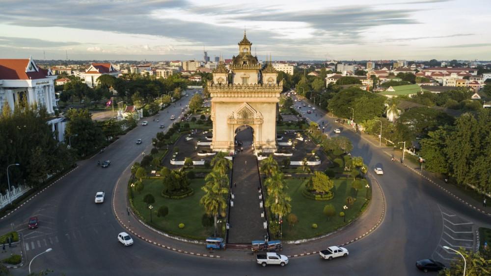 Sau hai nước láng giềng Thái Lan và Campuchia, đến lượt Lào ghi nhận ổ dịch COVID-19 mới nguy hiểm
