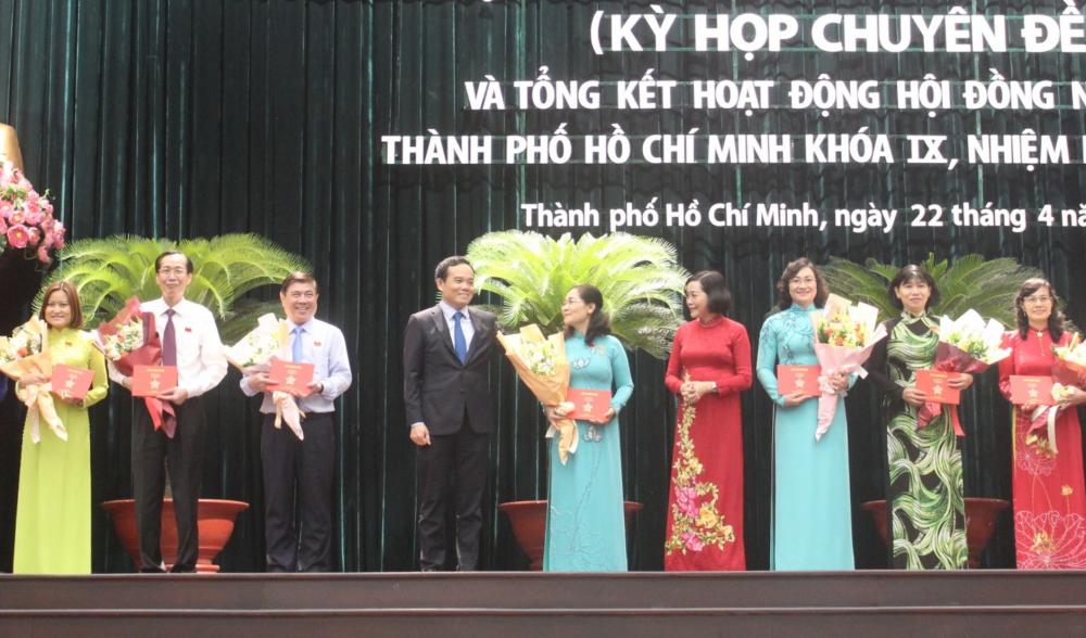 17 cá nhân được trao tặng Huy hiệu TPHCM.