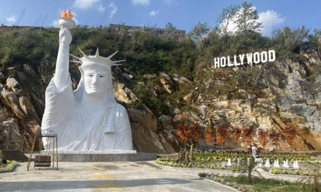 Tượng Nữ thần tự do trong khu du lịch Check-in An Sa Pa giữa tháng 4/2021