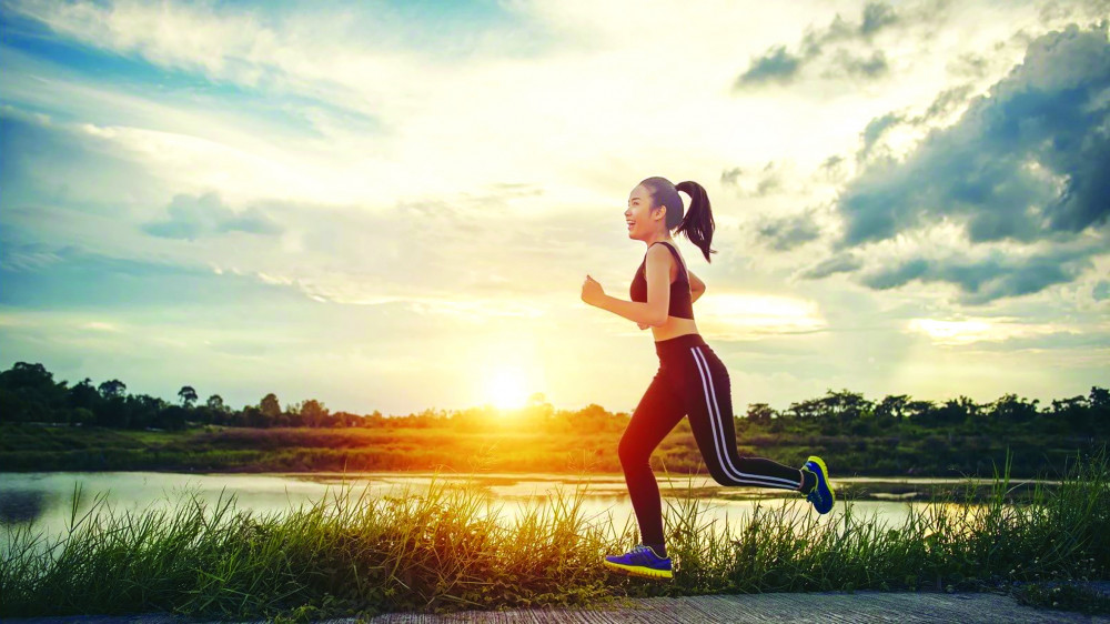 Dậy sớm thể dục, thể thao là cách tạo năng lượng tích cực của nhiều người trẻ