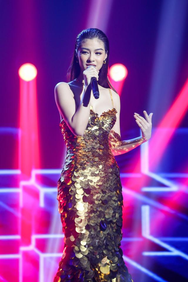 Lona Kiều Loan kết hợp với NSX Kent trong cuộc thi lần này