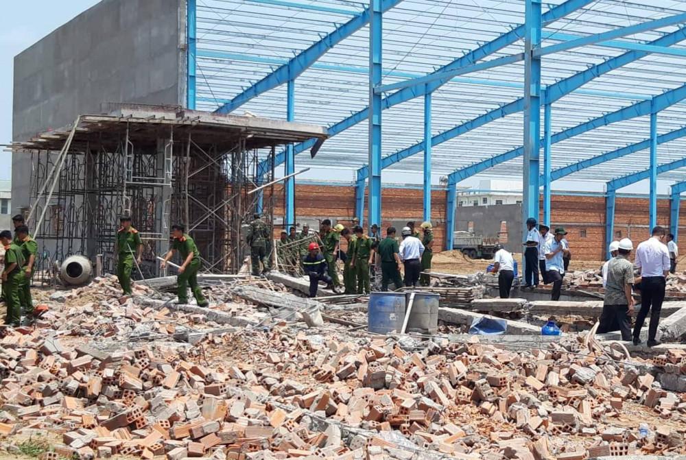 Vụ sập tường tại KCN Hòa Phú khiến 7 người thiệt mạng