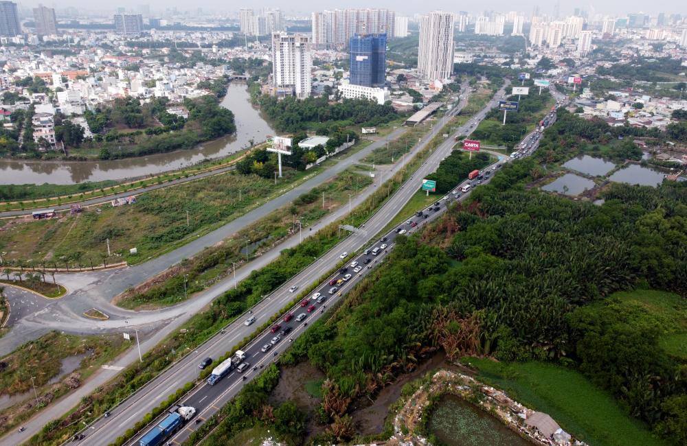 Đặc biệt hơn, khi xảy ra sự cố giao thông thì các cung đường trọng yếu, nhất là cao tốc TPHCM - Long Thành - Dầu Giây sẽ lâm vào ùn tắc nghiêm trọng.