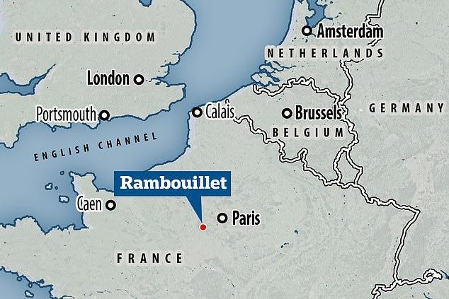 Vụ tấn công man rợ bằng dao xảy ra tại một xã ngoại ô Paris