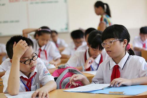 Từ năm học này Hà Nội chính thức dừng tuyển sinh lớp 6 hệ song bằng