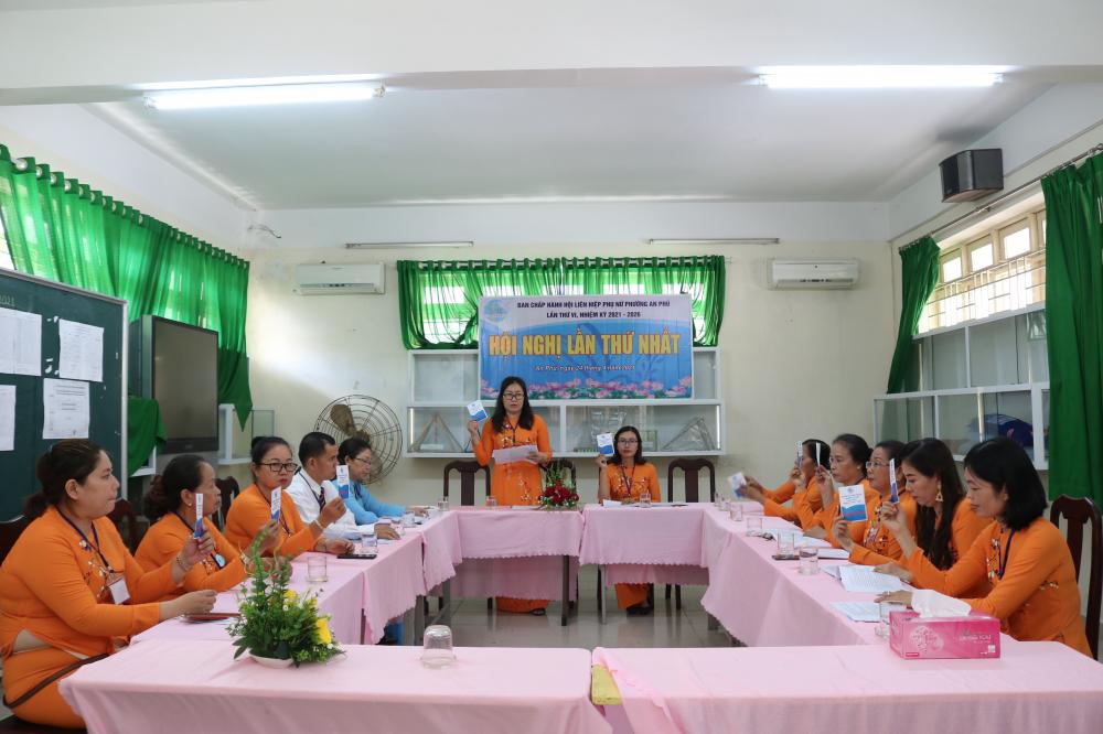 Ban Chấp hành Hội LHPN phường An Phú nhiệm kỳ 2021 - 2026 họp[ phiên đầu tiên.