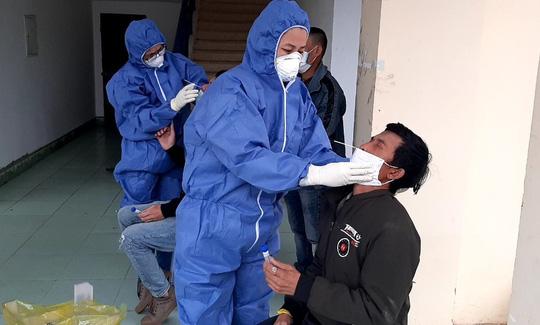 Gần 90% bệnh nhân COVID-19 từ Campuchia về Việt Nam mang biến thể B1.1.7