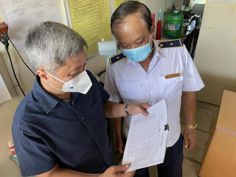 Thứ trưởng Bộ Y tế làm việc tại An Giang ngày 26/4