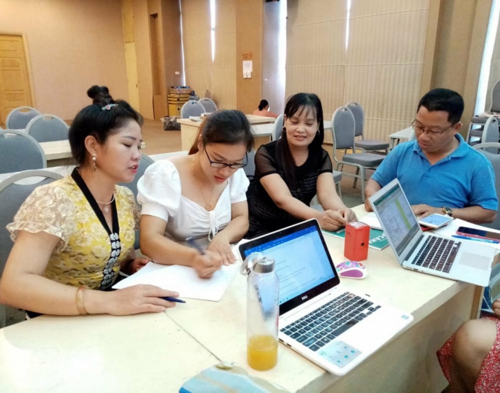 Phụ nữ đến từ các cộng đồng thiểu số ở tỉnh Sơn La tham gia các lớp học về canh tác bền vững, chế biến nông sản công nghệ cao