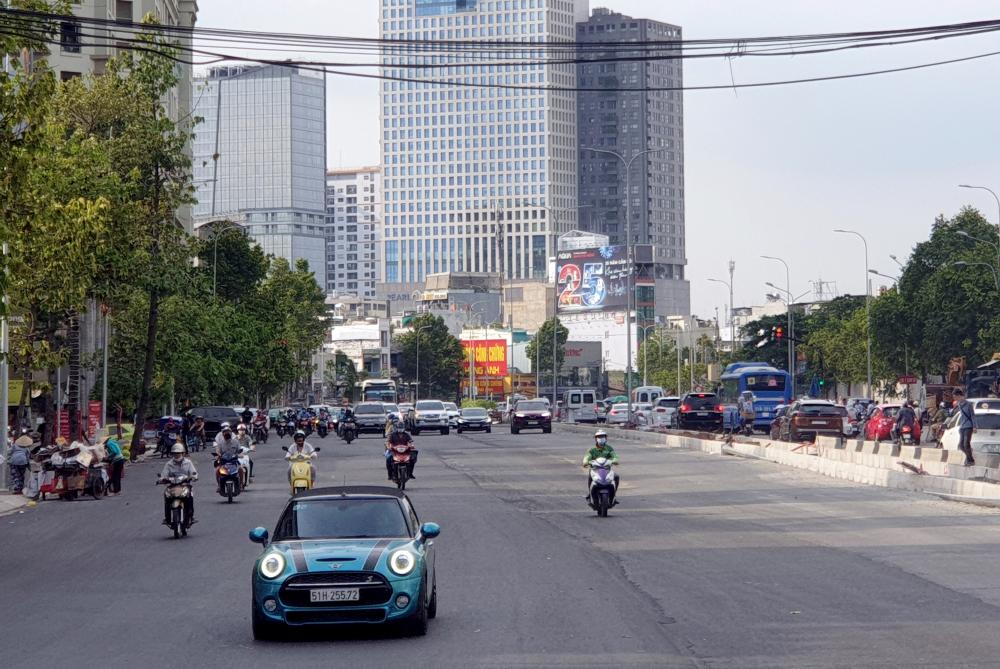 Việc đưa tuyến đường Nguyễn Hữu Cảnh vào khai thác phục vụ người dân Thành phố sẽ góp phần khắc phục tình trạng kẹt xe, ngập nước đã diễn ra hơn 10 năm qua trên tuyến đường Nguyễn Hữu Cảnh, góp phần tạo sự thông thoáng trong giao thông khu vực cửa ngõ phía Đông Thành phó.
