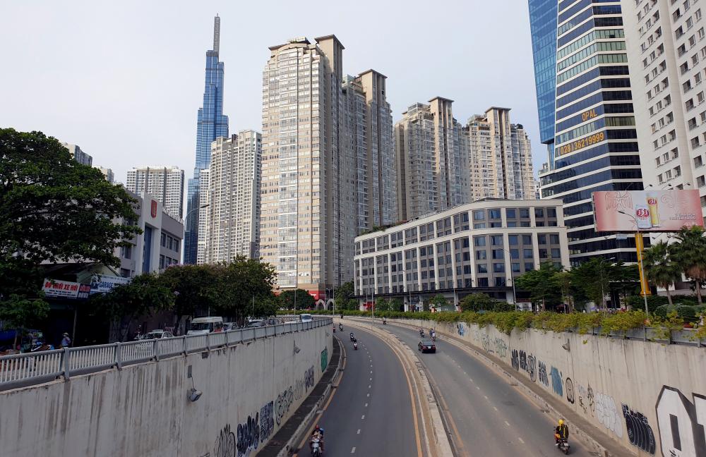 Dự án có Tổng mức đầu tư 473 tỷ đồng (trong đó chi phí xây lấp 370 tỷ đồng) với mục tiêu Sửa chữa, khắc phục những hư hỏng toàn tuyến đường Nguyễn Hữu Cảnh