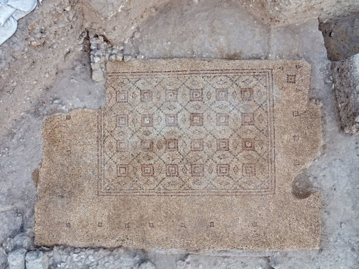 Các nhà khảo cổ cho rằng sẽ còn nhiều cổ vật trong quá trinh khai quật khuôn viên trong vài năm tới.