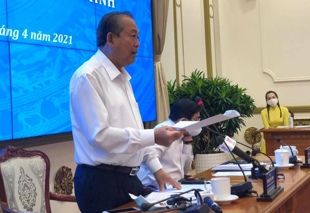 Phó thủ tướng Thường trực Trương Hòa Bình tại buổi làm việc với UBND TPHCM