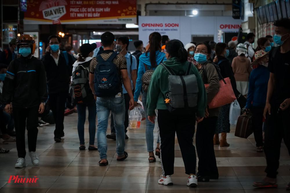 Phần lớn hành khách di chuyển dịp Lễ 30/4-1/5 đợt này là các sinh viên và các bạn trẻ