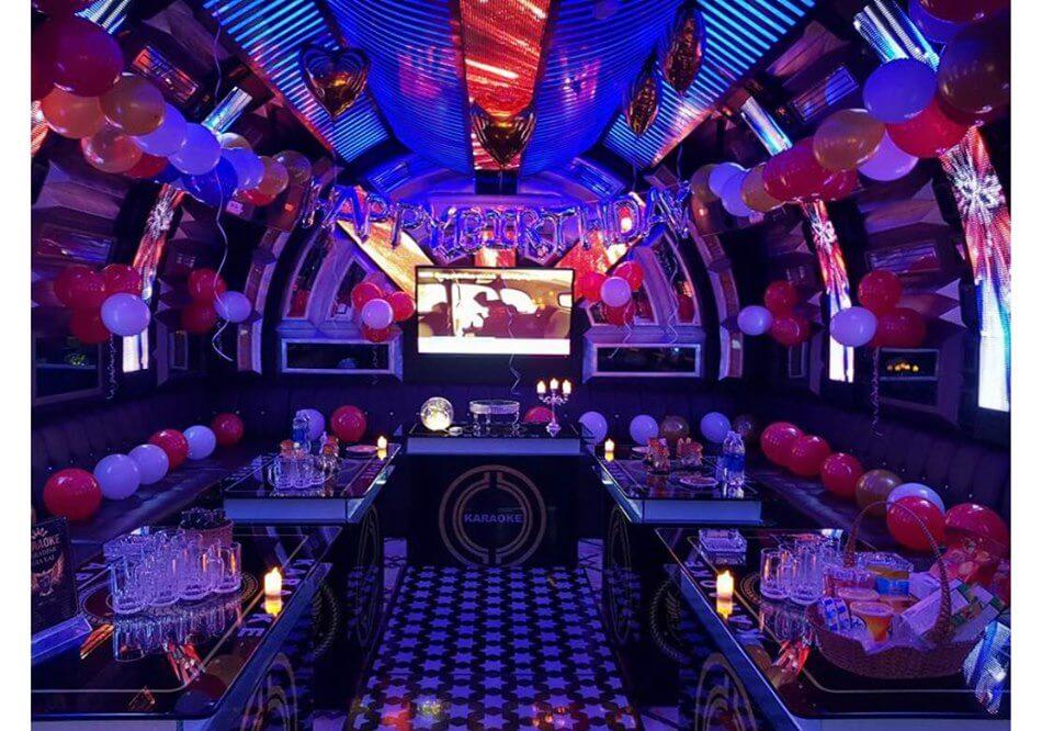 Sau khi được mở cửa lại từ 22/3, Hà Nội lại tiếp tục yêu cầu tạm dừng hoạt động các quán bar, karaoke, vũ trường từ 0g ngày 30/4