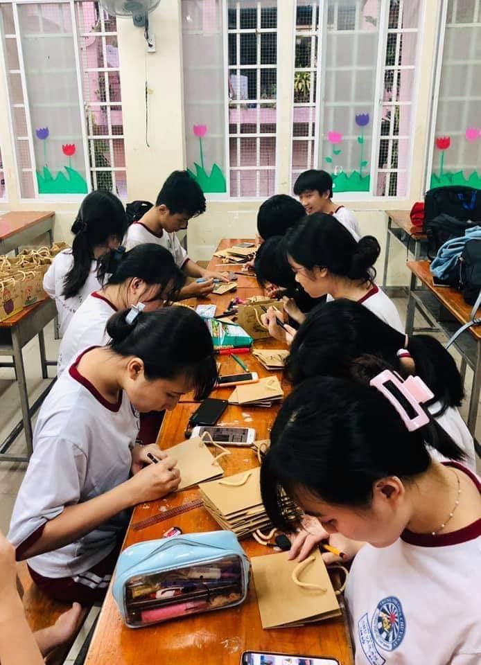 Học sinh TTGDTX Chu Văn An được học thực tế