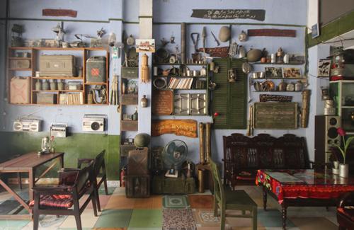 Một quán cà phê ở Quảng Nam lưu giữ hơn 1.000 kỷ vật chiến tranh