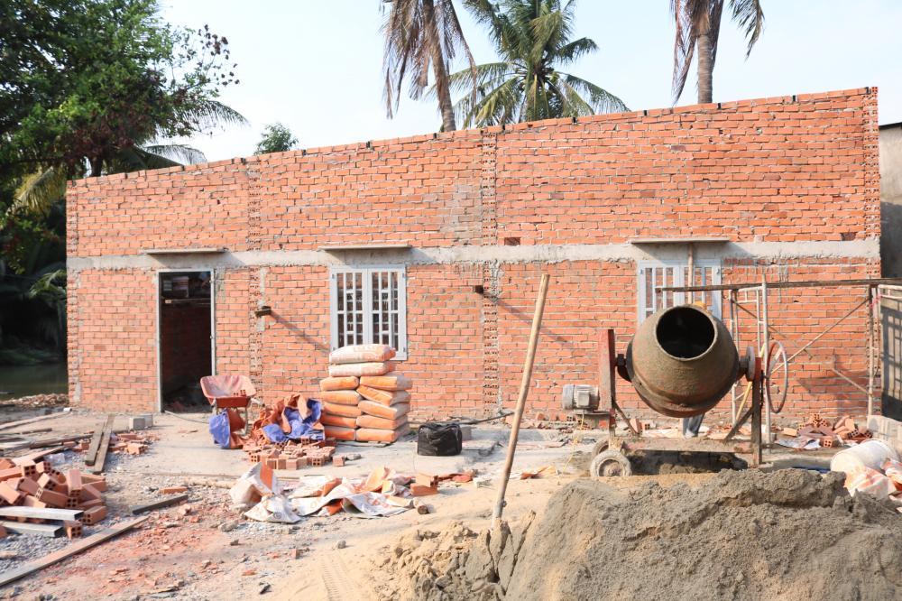 Hiện, địa phương đang hỗ trợ làm nhà, sau khi hoàn thành, Hội LHPN phường Cát Lái sẽ mua vật dung gia đình cần thiết tặng ông Tâm.