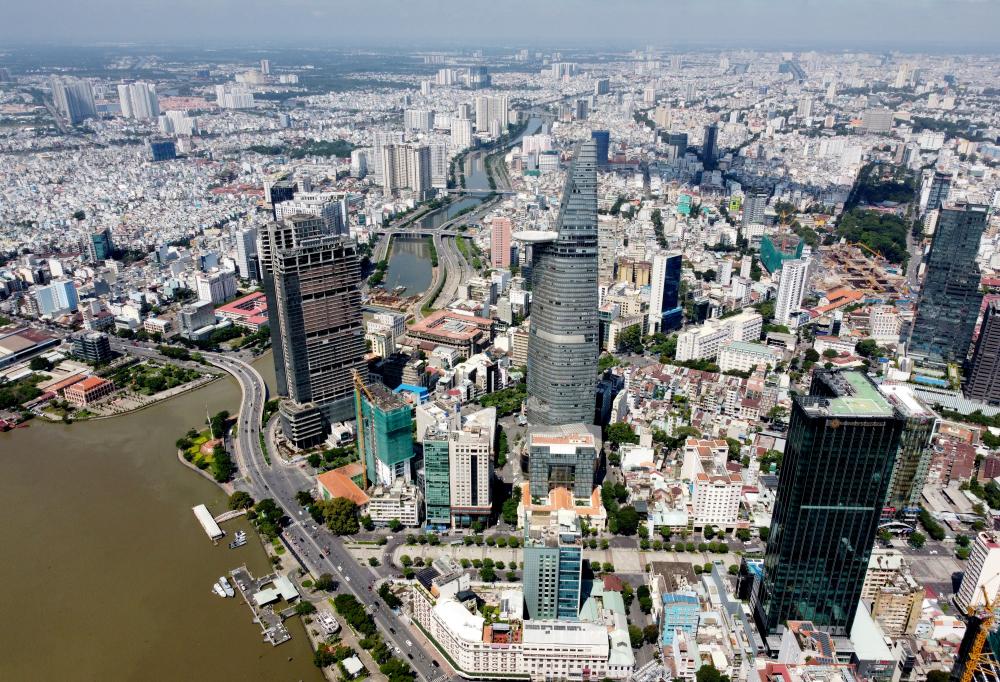 TPHCM hiện nay là đô thị lớn nhất nước, là đầu tàu về kinh tế và đóng góp ngân sách. Năm 2020, thu ngân sách của thành phố đạtthu NSNN đạt 371.384,589 tỷ đồng