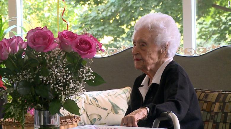 Cụ bà Thelma Sutcliffe trở thành người cao tuổi nhất nước Mỹ sau khi bà Hester Ford qua đời ở tuổi 116