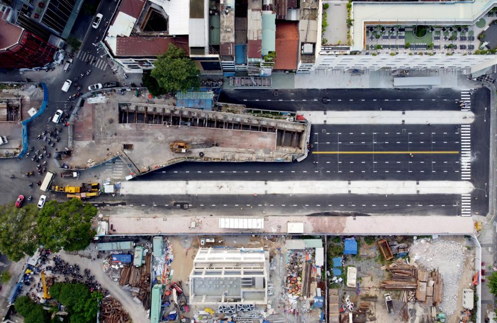 Ngày 28/4 vừa qua, một đoạn thi công metro số 1 trên đường Lê Lợi, đoạn từ từ Nguyễn Huệ đến L