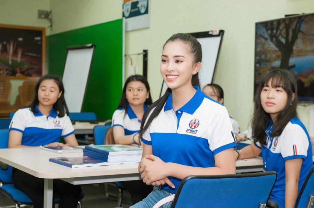 Sinh viên các lớp lý thuyết của Trường ĐH Sư phạm kỹ thuật TPHCM học online sau nghỉ lễ
