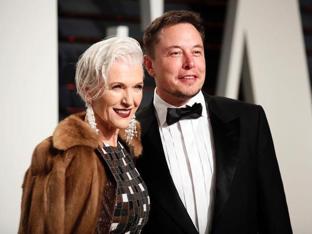 Elon Musk và mẹ