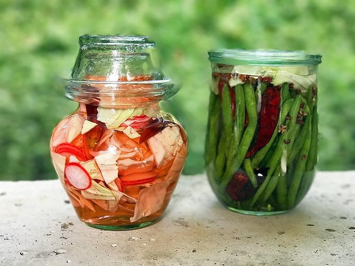 Món rau ngâm Pao Cai từ tỉnh Tứ Xuyên, Trung Quốc được truyền thông nước này xem như là kimchi vốn là món ăn đặc trưng của người Hàn Quốc - Ảnh: Mala Market Blog