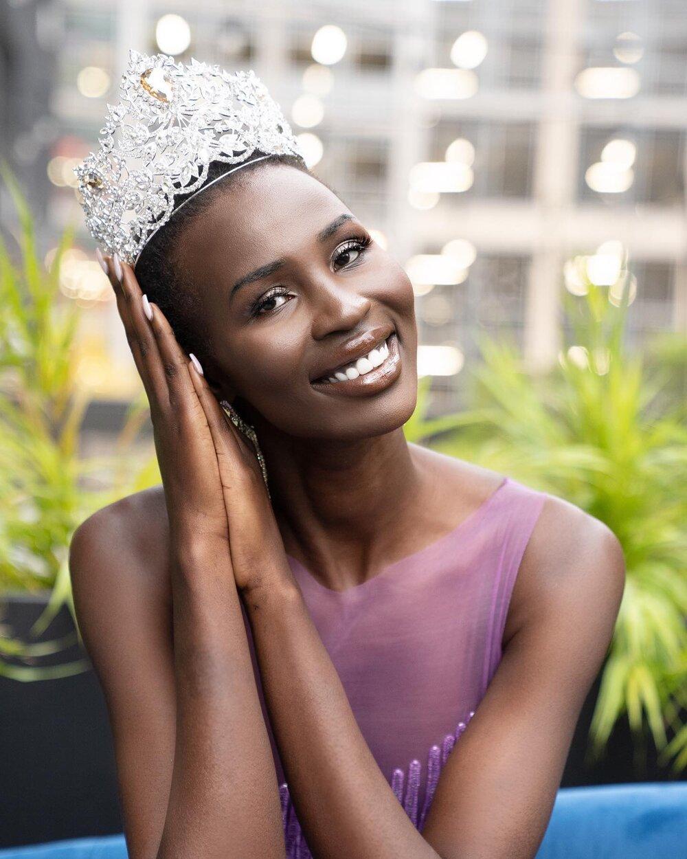 Nova Stevens là người gốc Sudan. Cô cũng là người phụ nữ gốc Sudan đầu tiên tranh tài tại Hoa hậu Hoàn vũ. Năm lên 6 tuổi, Nova phải cùng gia đình chạy trốn khỏi Sudan vì nội chiến. Cô được gửi sang Canada để lánh nạn. Nova mới đoàn tụ gia đình sau 21 năm xa cách vào trung tuần tháng 4 vừa qua..