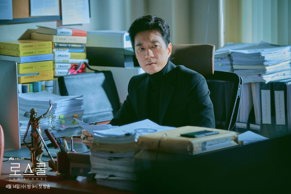 Nam tài tử Kim Myung Min tiếp tục khẳng định tài năng diễn xuất khi hóa thân vào vai Yang Jong Hoon