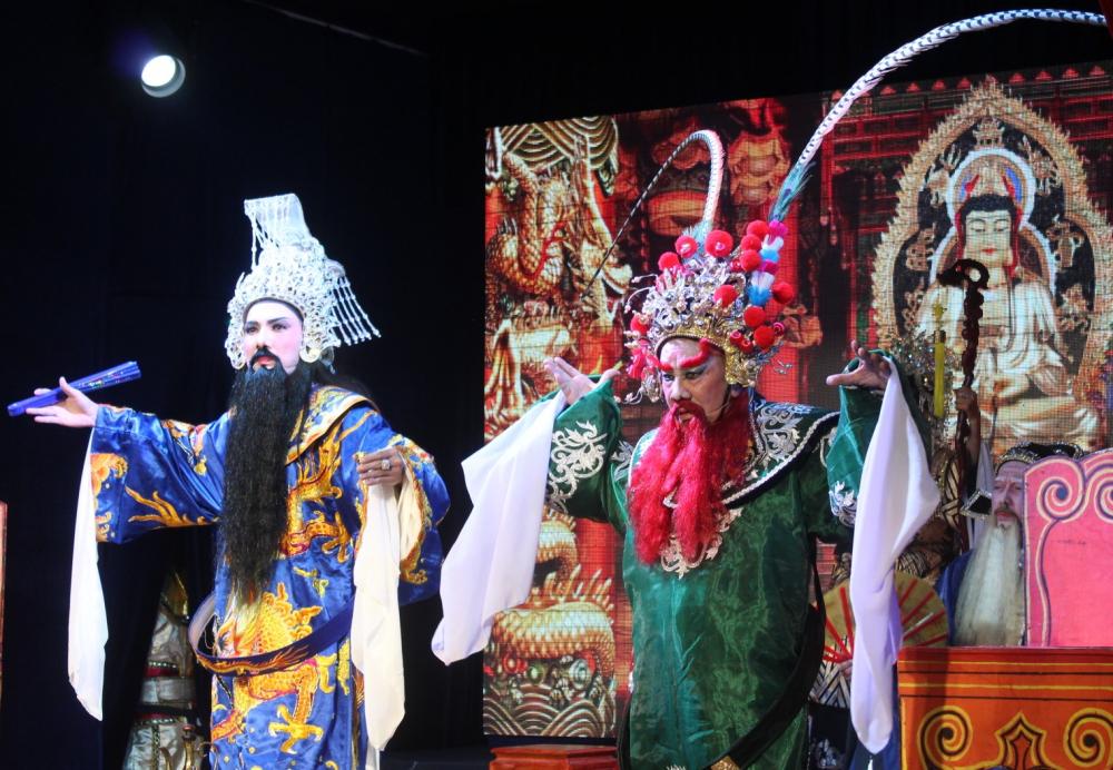 Lưu Bị và Ngô Tôn Quyền có sự hội ngộ bất đắc dĩ tại Cam Lồ tự.