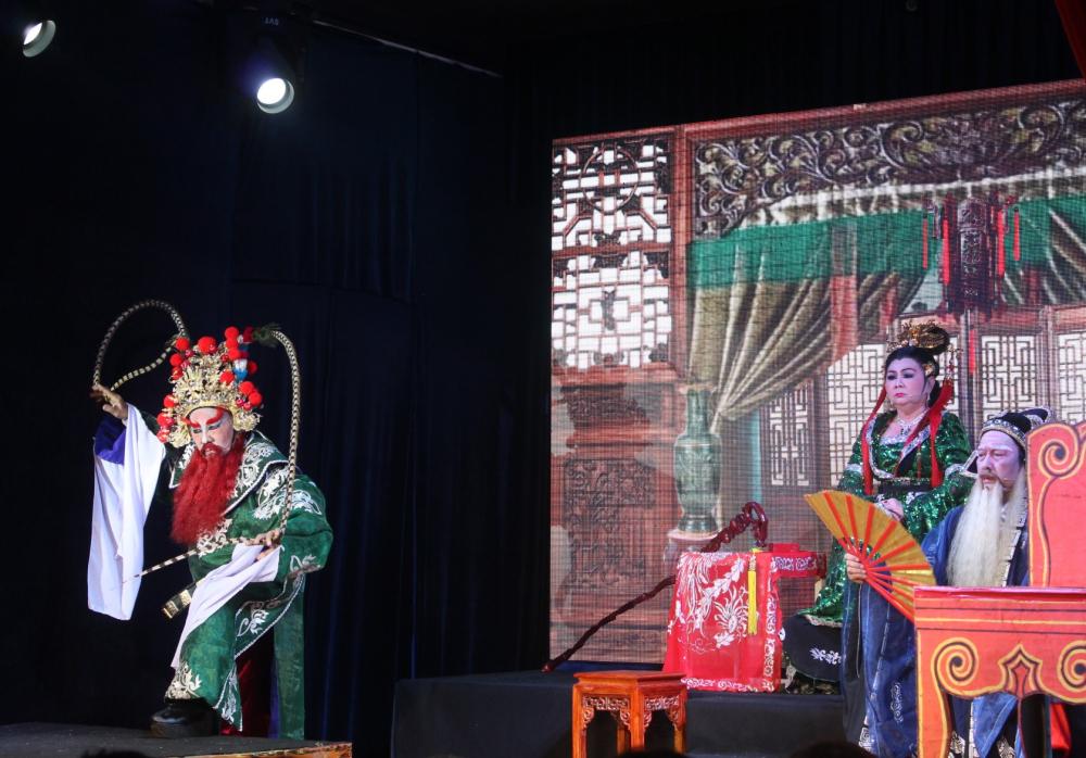 Sức hấp dẫn của Lưu Bị cầu hôn giang tả còn ở thiết lập nhân vật rất đặc trưng, như Ngô Tôn Quyền dù là vua một cõi vẫn luôn rất sợ mẹ và thường bị bà la mắng.