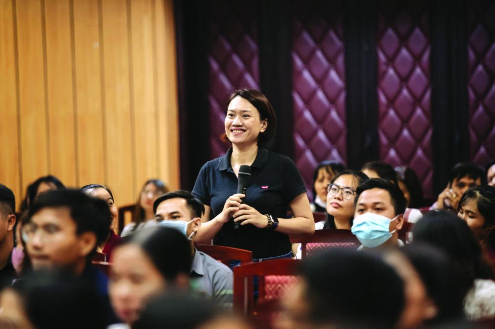 Rất nhiều nữ doanh nhân tham gia các buổi nói chuyện của Họ c việ n Quản lý PACE về định nghĩa lại lãnh đạo ẢNH: X.L