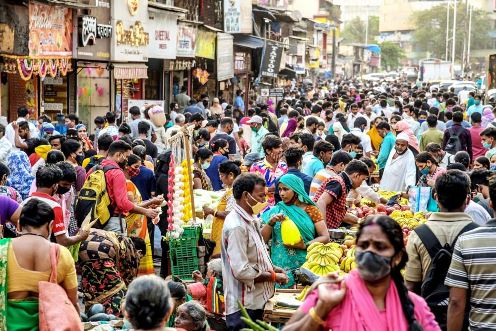 Trong đợt bùng phát dịch bệnh thứ hai, chính phủ Ấn Độ không áp đặt phong tỏa vì lo ngại ảnh hưởng nền kinh tế, quyết định này đánh đổi bằng hàng ngàn sinh mạng mỗi ngày  Ảnh: The New York Times