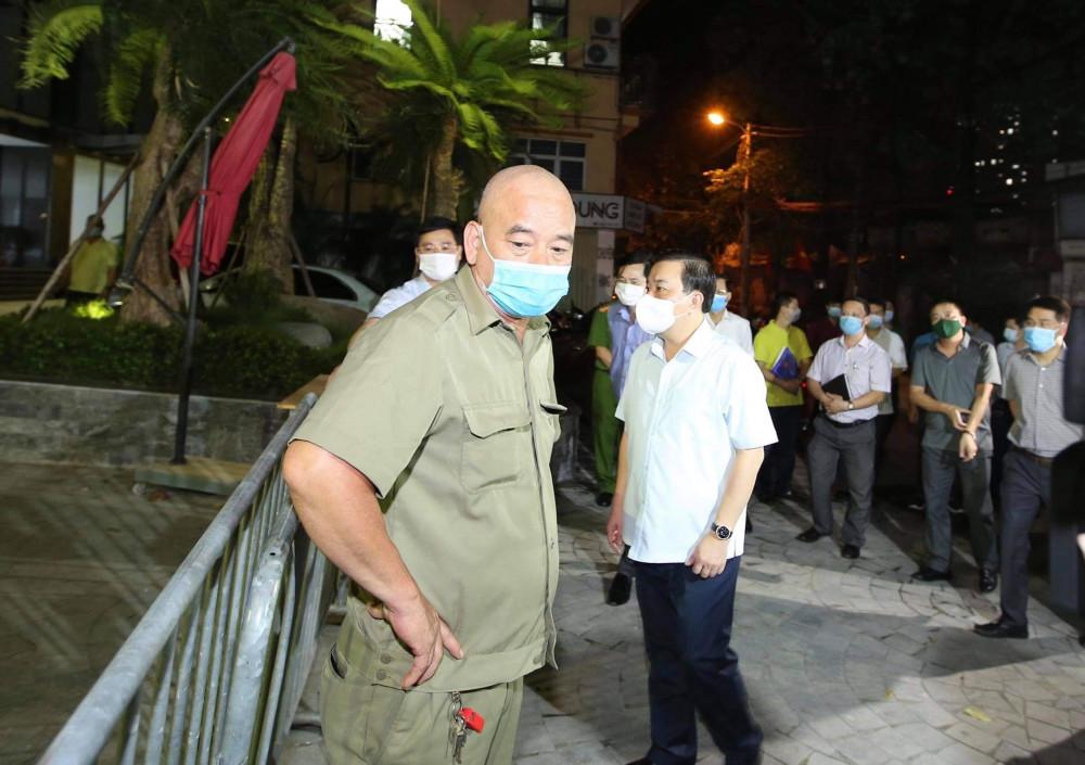 Phó Chủ tịch UBND TP Hà Nội cho biết nguy cơ lây nhiễm SARS-CoV-2 từ nguồn nhập cảnh trái phép là rất lớn.