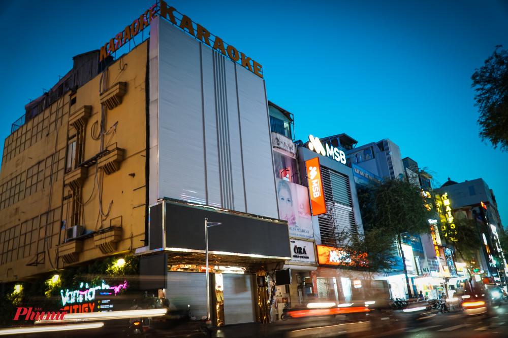 Hàng loạt các quán Karaoke đã đóng cửa trên đường Sư Vạn Hạnh