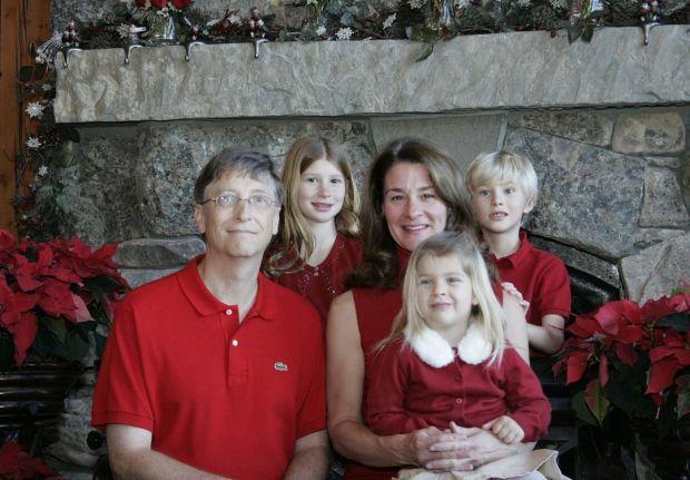 Bill Gates và vợ có 3 con chung: Jennifer Gates (1996), Rory Gates (1999) và Phoebe Gates (2002).