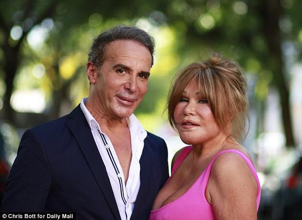 Jocelyn Wildenstein (phải) và người tình Lloyd Klein thuở còn mặn nồng