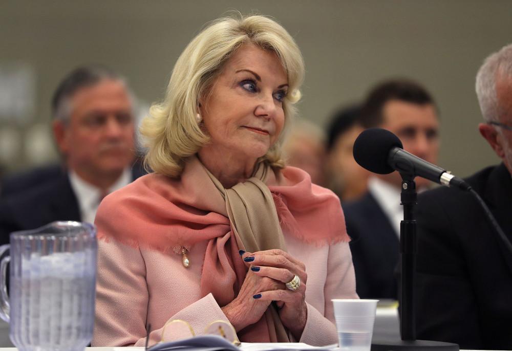 Bà Elaine Wynn có nhiều đóng góp tích cực cho xã hội, bên cạnh việc kinh doanh thành công sau ly hôn