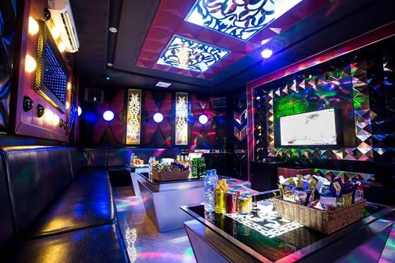 Hà Nội sẽ xét nghiệm tại các khu vực tập trung nhiều quán karaoke, bar...