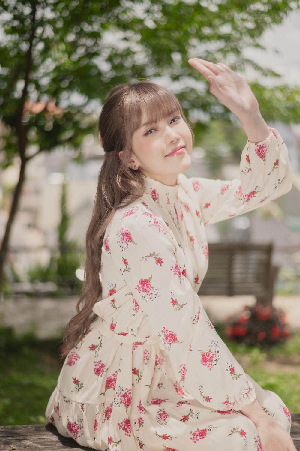 Trong MV Love Rosie mới ra mắt, ca sĩ Thiều Bảo Trâm