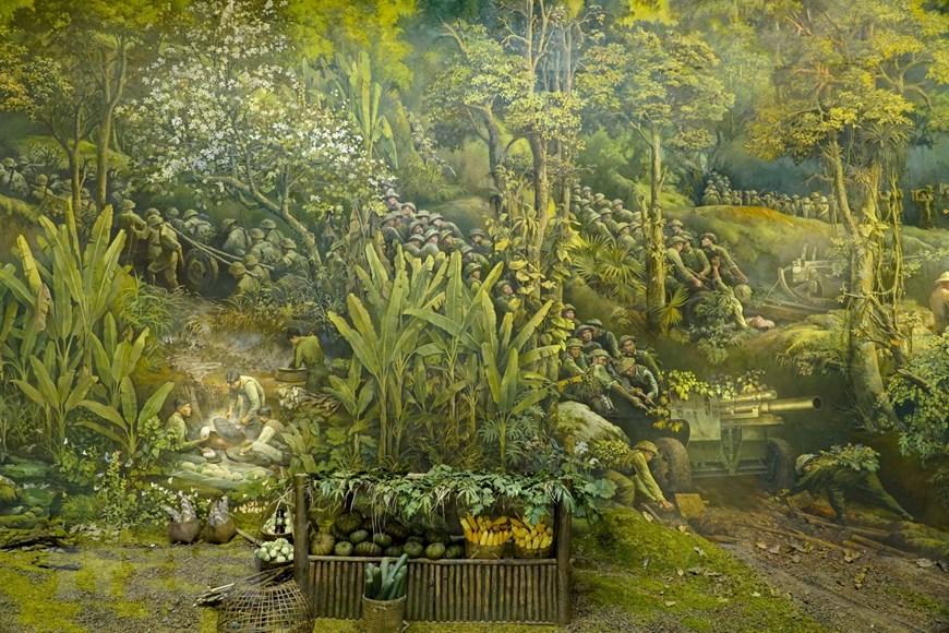 Bức tranh được được hoàn thiện tại tầng 2 của Bảo tàng Chiến thắng Điện Biên Phủ, thành phố Điện Biên Phủ, tỉnh Điện Biên. Bức tranh được vẽ bằng chất liệu sơn dầu, bố cục hình tròn, dài 132m, cao 20,5m, đường kính 42m với tổng diện tích là 3.225m².