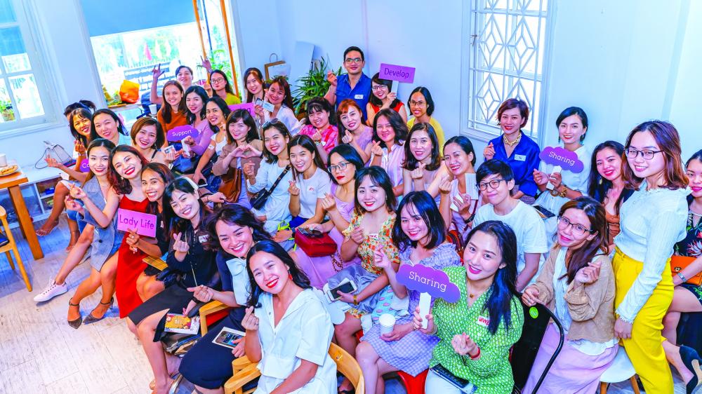 Trong năm 2021, Lady Networking tập trung vào việc phát triển đời sống tinh thần cho phụ nữ theo bốn giác quan: nghe, nói, đọc, viết