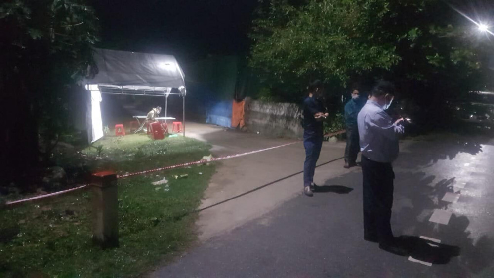 Lực lượng chức năng lập chốt, phong tỏa 2 thôn có trường hợp nghi nhiễm