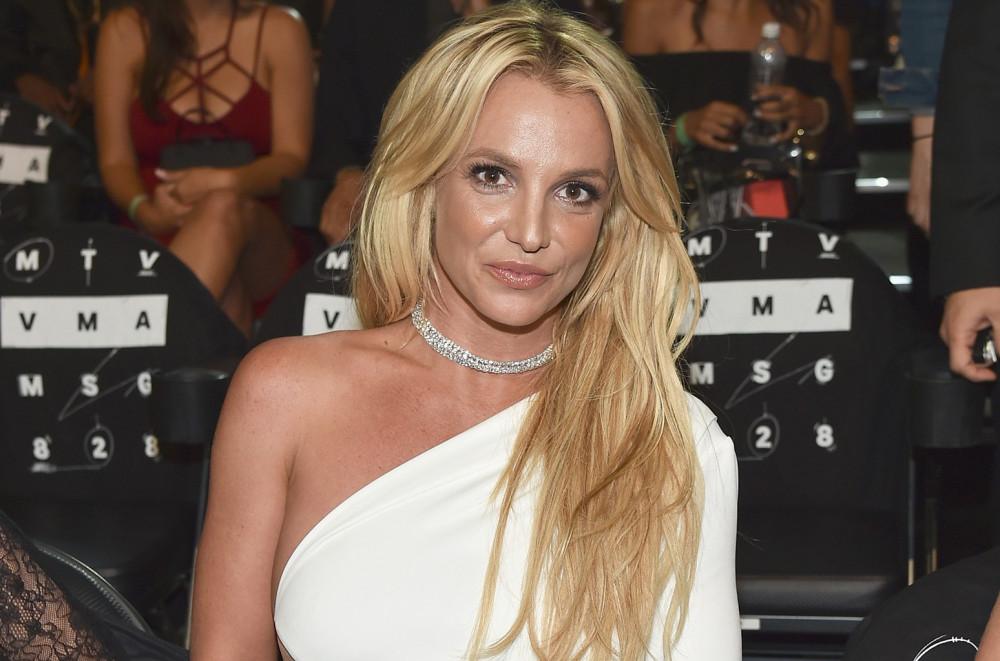 Liên tiếp các phim tài liệu khai thác đời tư của Britney Spears ra mắt.