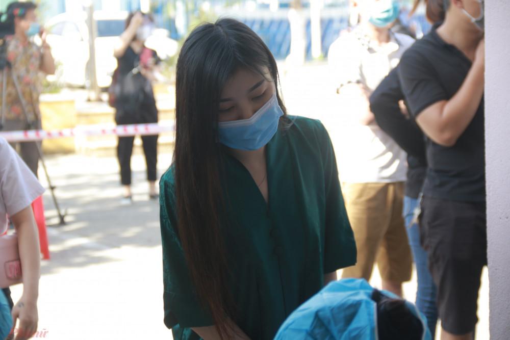 Theo đó, từ 7g30 sáng 7/5, khoảng 500 người thuộc nhóm đối tượng trên có mặt tại Trường tiểu học Chi Lăng (đường Lý Nam Đế, phường An Hải Tây).