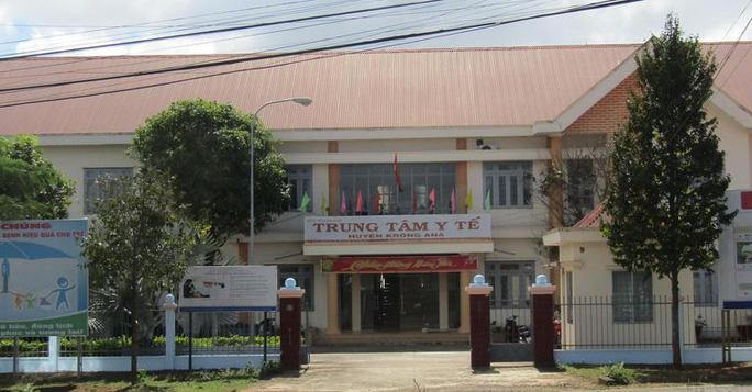 Nhiều người nhập viện tại Trung tâm Y tế huyện Krông Ana sau khi ăn bánh mì